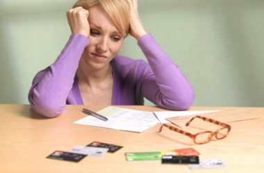 Como Sair das Dívidas: 10 Dicas Para Terminar o Ano Sem Elas